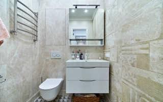 Мозаика в туалете на одной стене