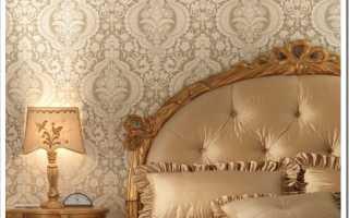 Дизайн спальни обои с вензелями