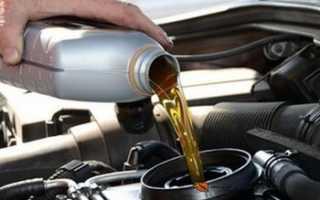 Сколько масла заливается в двигатель ока